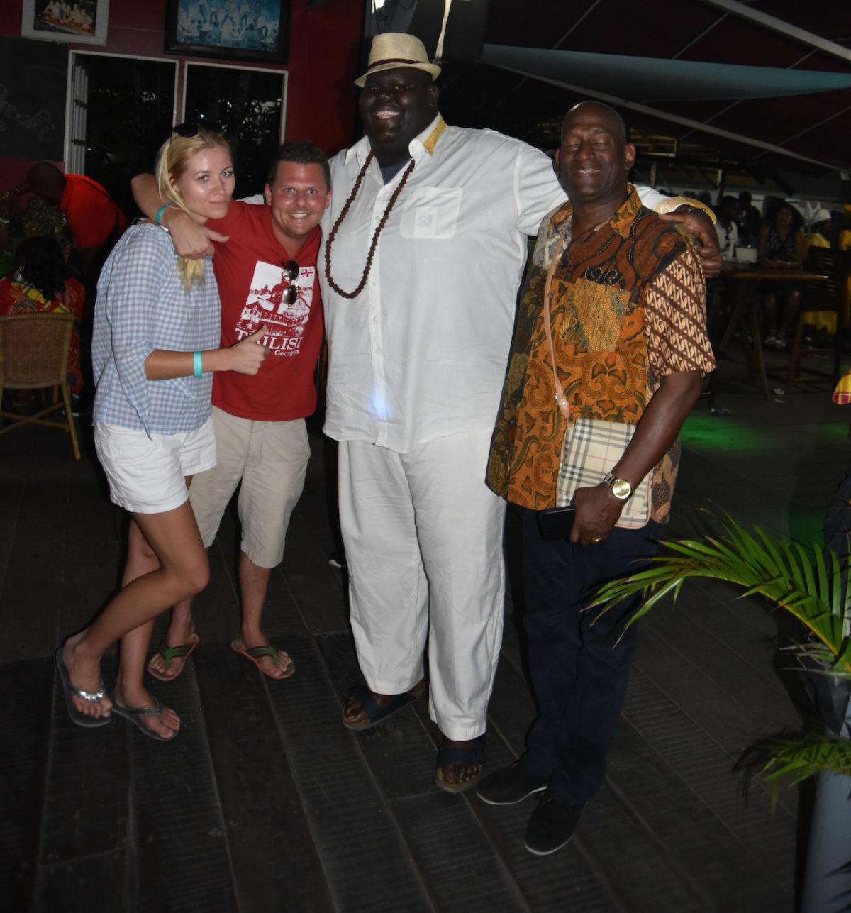 Partycrew, lekker chillen, Paramaribo